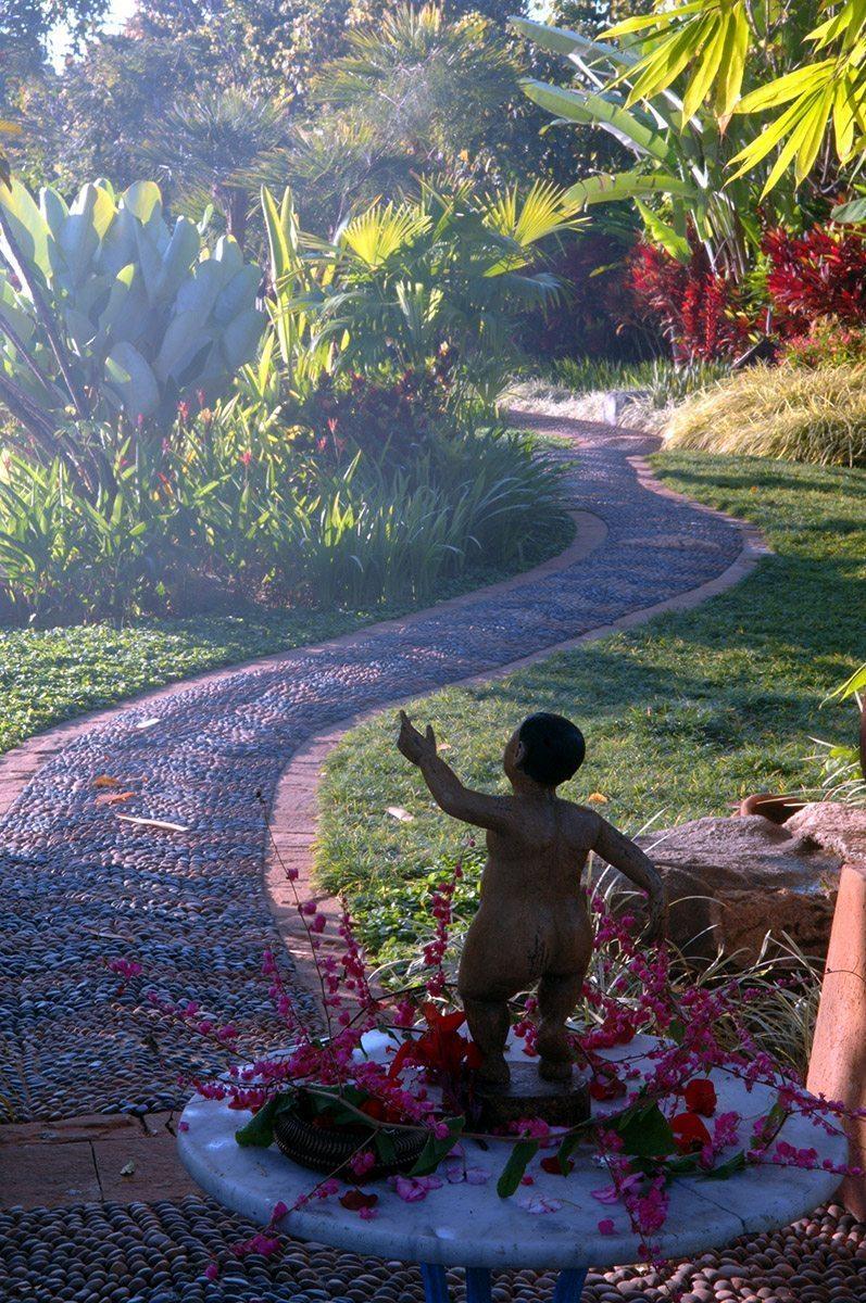 Howie's Homestay gardens