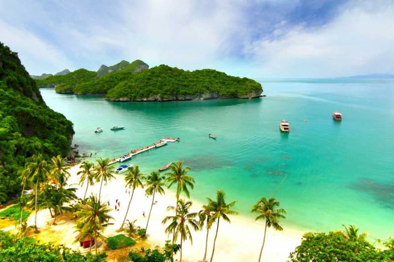 Staying at a Luxury Resort in Thailand